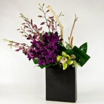 Holiday Floral Arrangements; Classic And Centerpieces ...